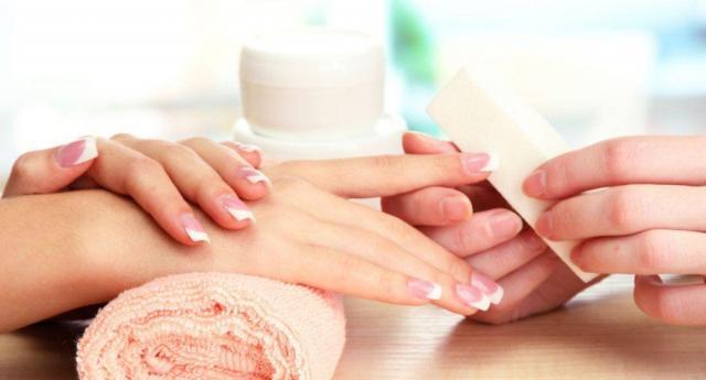curso de uñas acrílicas y gel